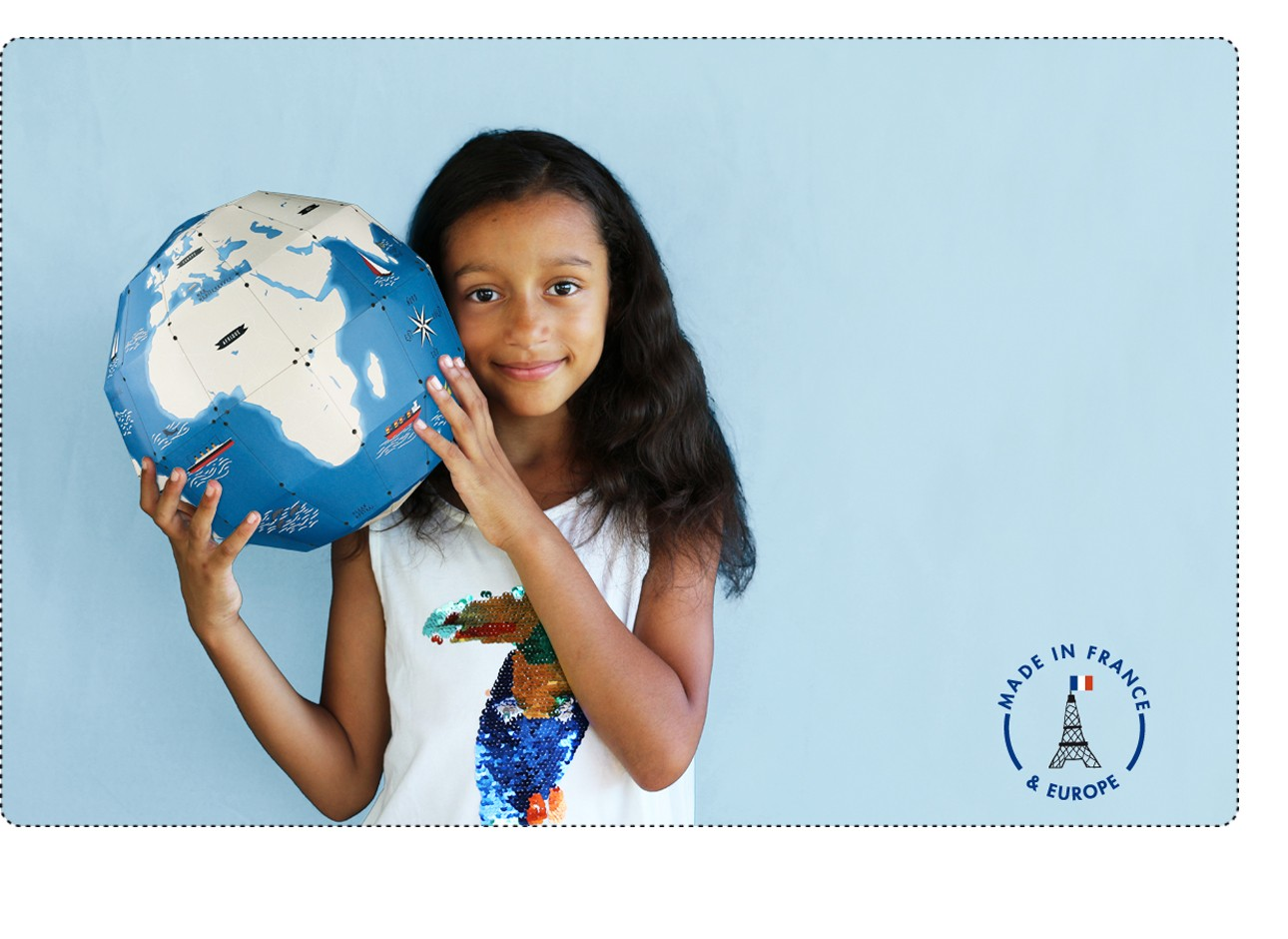 a globe a3D to build and 45 stickers