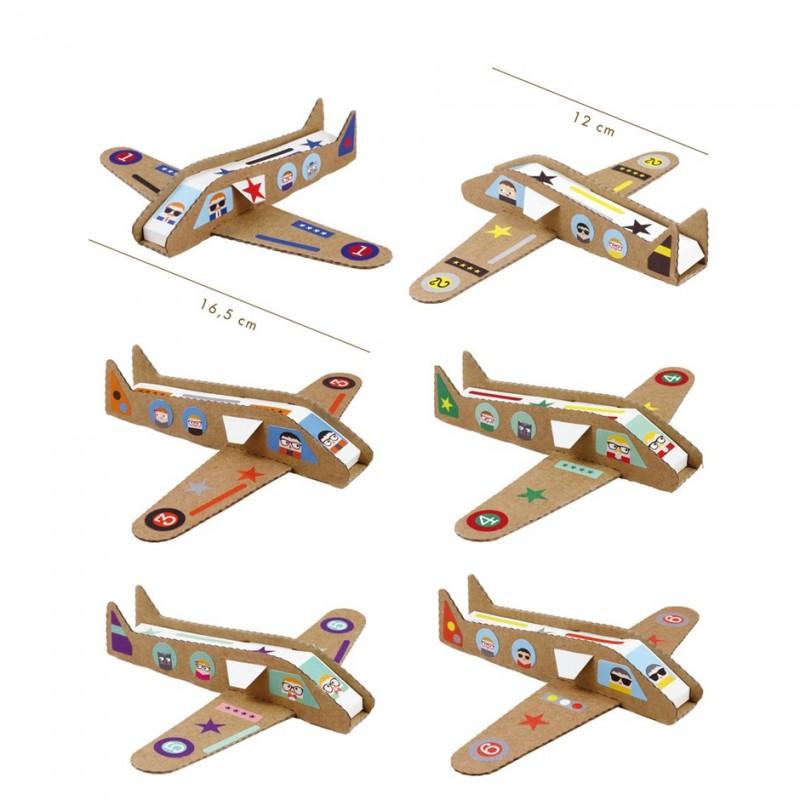avions en carton recyclé